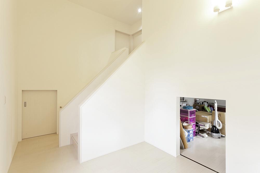 1階と2階の間の多目的空間。リビングとは違った楽しみ方が。